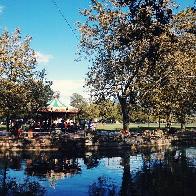 Au bord du lac d'Annecy