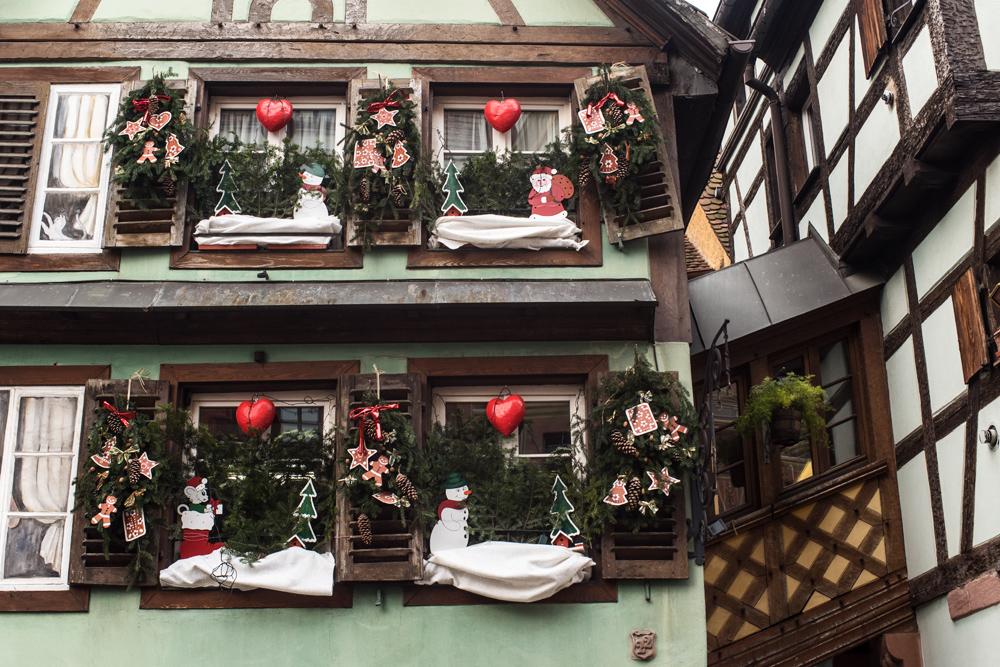 Les march s de no l d 39 alsace strasbourg colmar for Decoration de noel en alsace