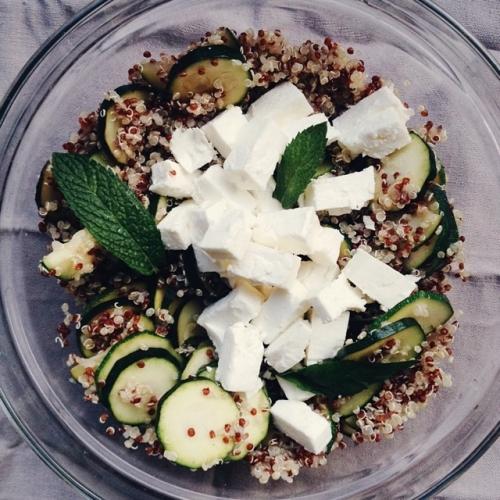Salade de quinoa, courgettes et feta