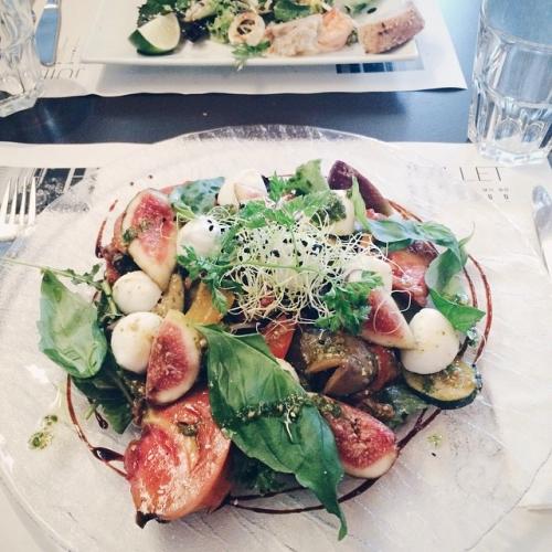 Salade de légumes grillés, figues et mozzarella au Café de Grancy, Lausanne