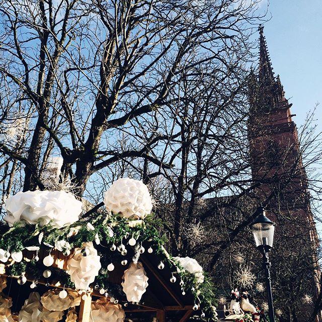 Le marché de Noël au pied de la cathédrale de Basel