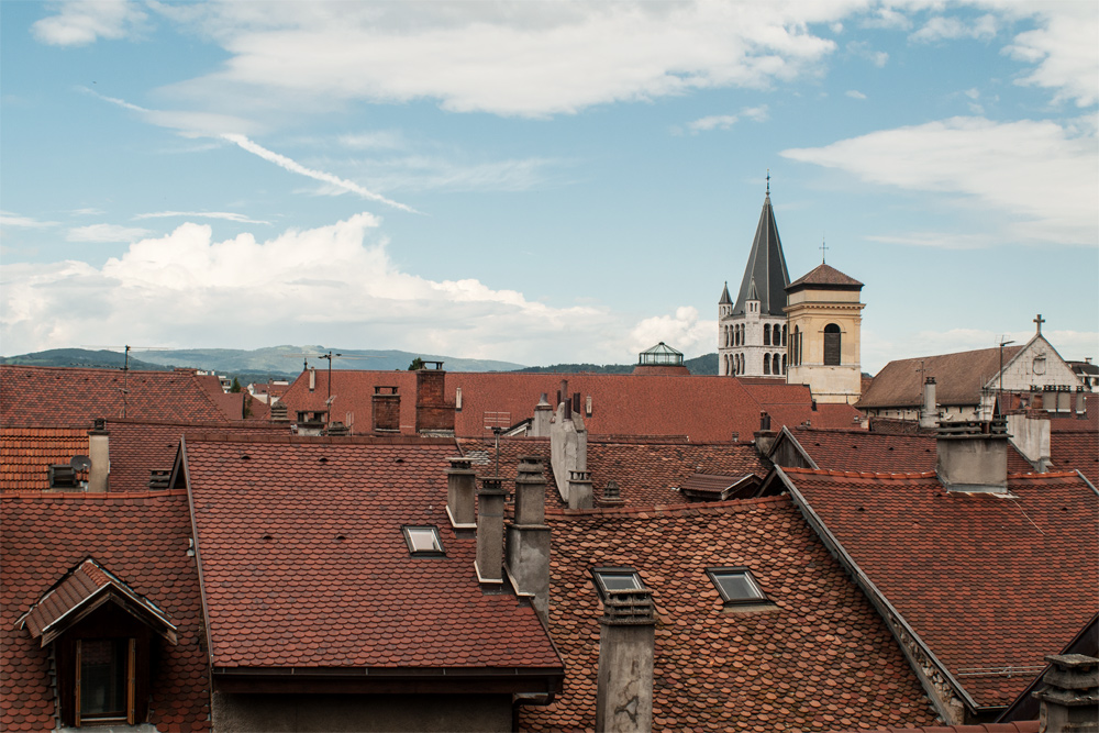 Annecy –Vue sur les toits de la vieille ville