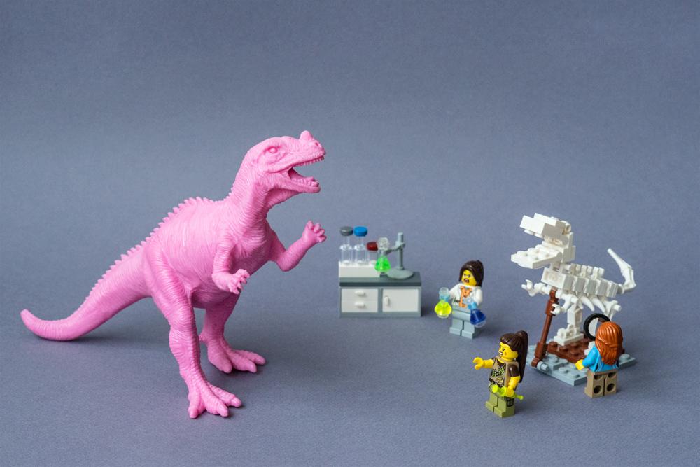 Attaque de dino au laboratoire !