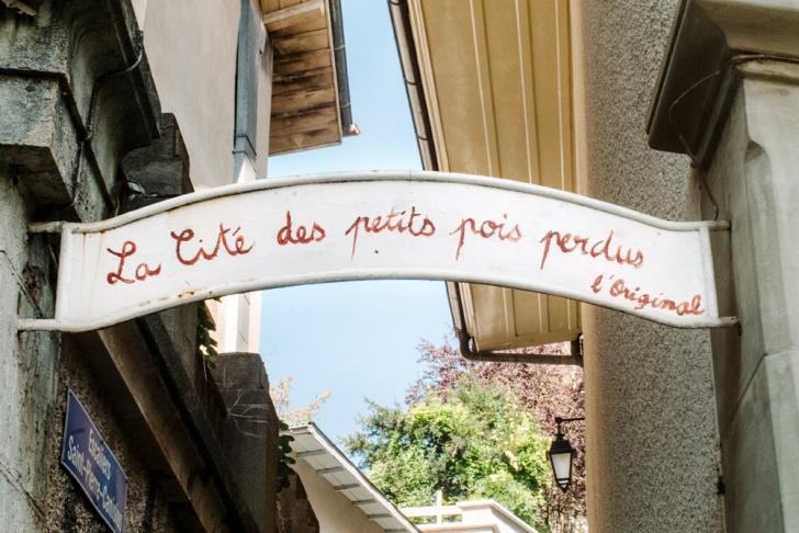 Fribourg – La Cité des petits pois perdus – Escaliers Saint-Pierre Canisisus