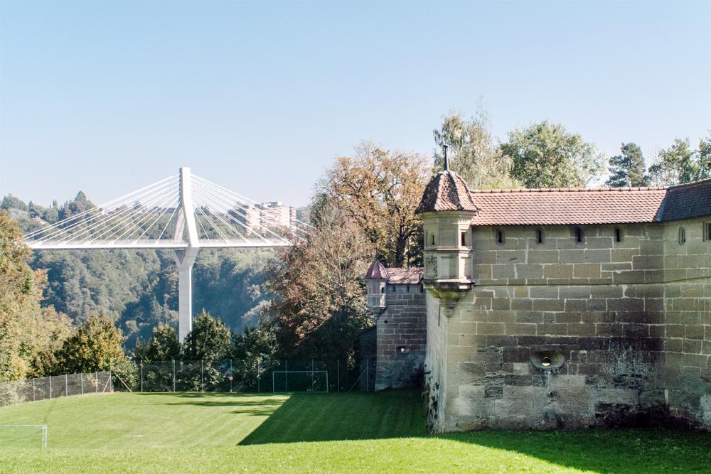 Fribourg – Remparts de la Porte de Morat et Pont de la Poya
