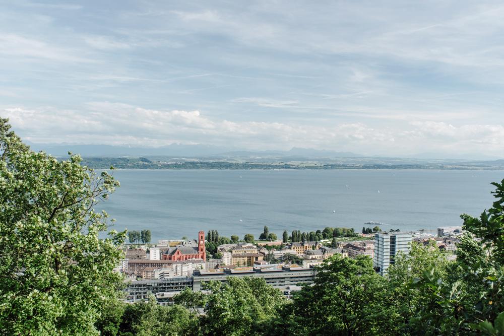 Neuchâtel – Vue sur la ville depuis la Roche de l'Ermitage