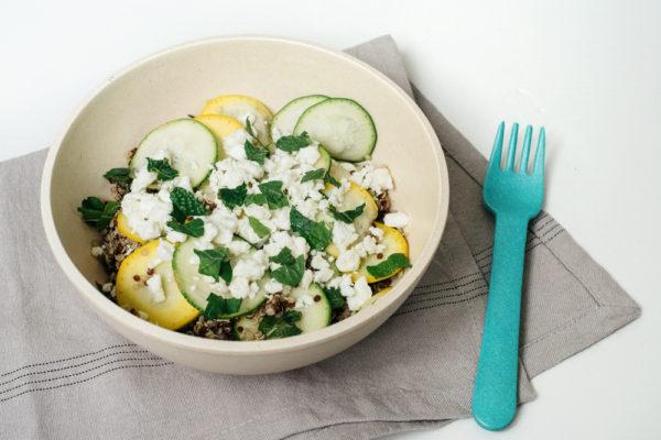 Salade de quinoa aux courgettes, menthe et feta