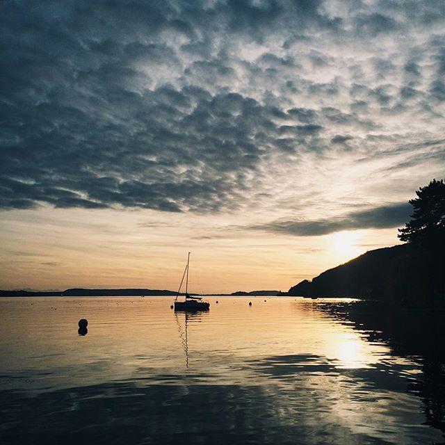 Le crépuscule sur le lac de Bienne