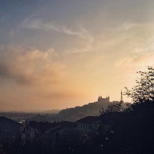 Lyon dans le brouillard