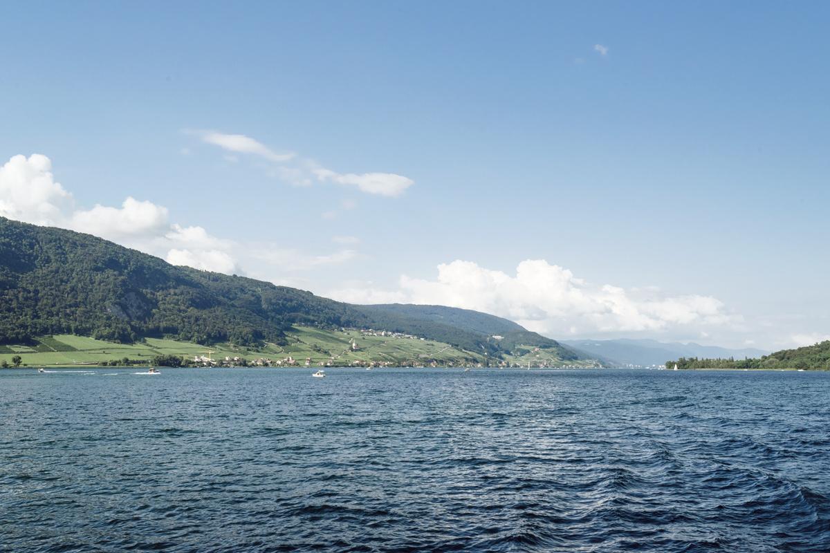 Vue sur les rives du lac de Bienne