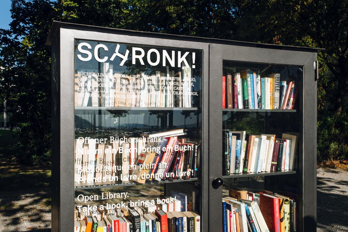 SCHRONK ! Une bibliothèque en plein air au bord du lac de Bienne