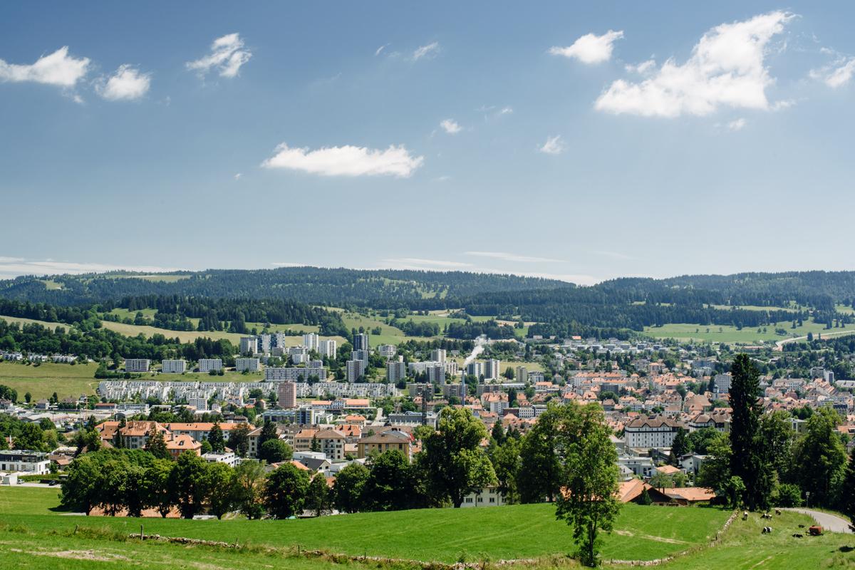 La Chaux-de-Fonds – Vue sur la ville depuis le Chemin de la Sombaille