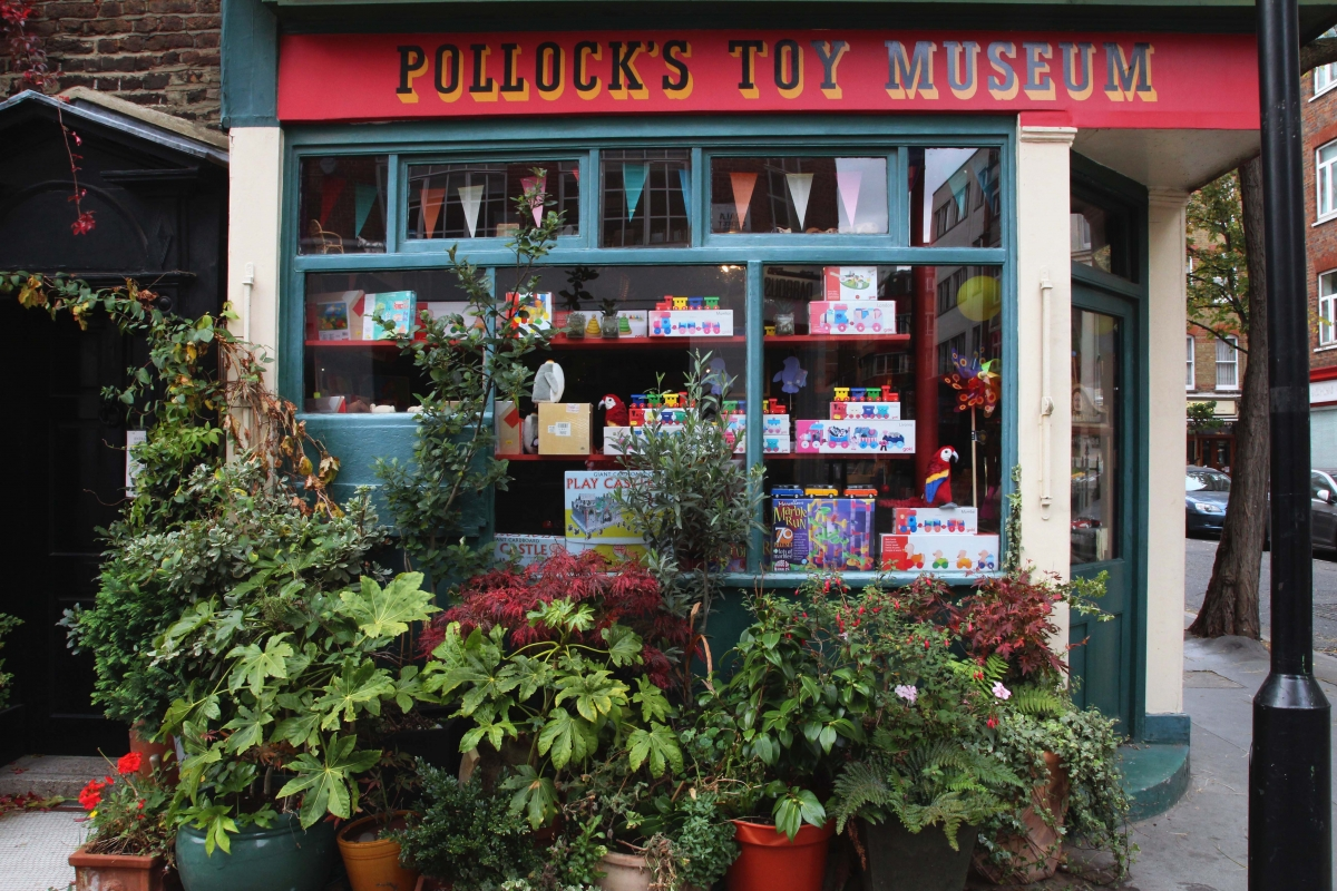 Pollock's Toy Museum – Lucky Mess