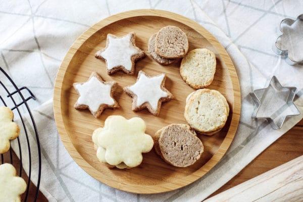 Biscuits de Noël végétaliens – Étoiles à la cannelle, Milanais à l'orange, sablés au citron, sablés aux épices de Noël