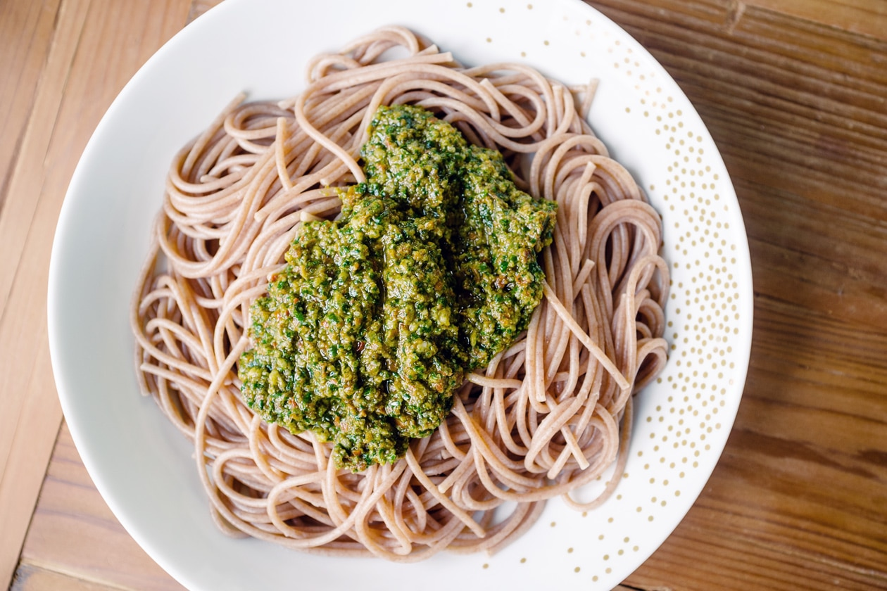 Idées de repas végétaliens: spaghetti à l'ail des ours