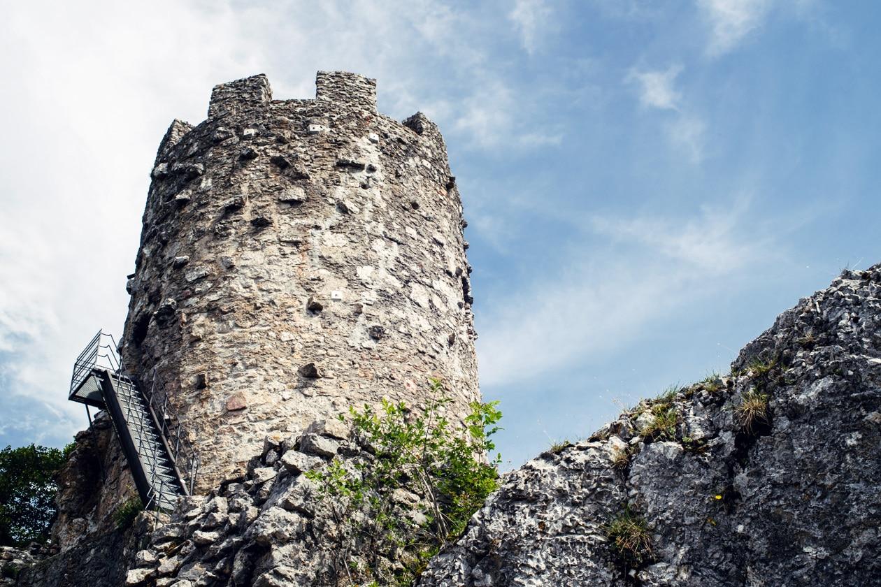 La tour du Château de Neu-Falkenstein