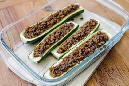 Courgettes farcies aux lentilles vertes et protéines de soja texturées