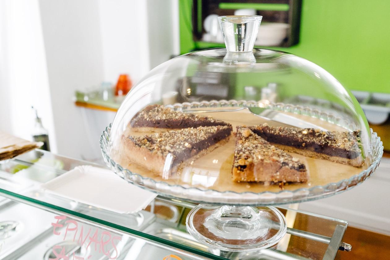 Tarte chocolat poire –Eateco, restaurant et take away végétalien à Neuchâtel