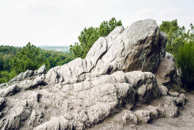 Bretagne, forêt de Paimpont: le Siège de Merlin