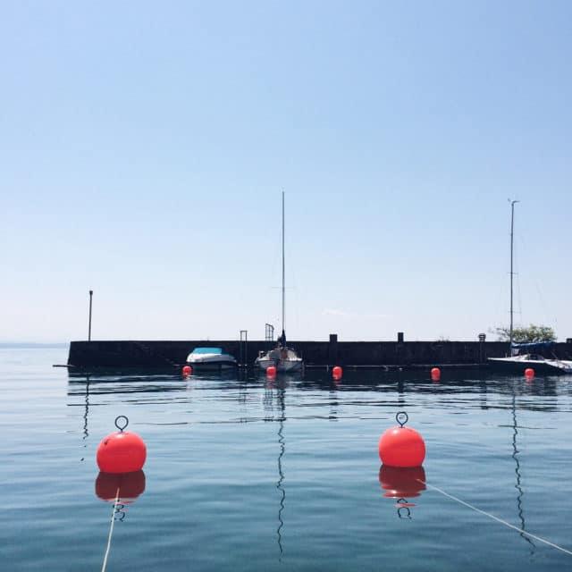 Bateaux amarés au port de Serrières