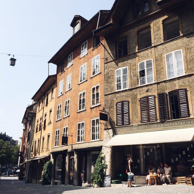 Vendredi midi dans la vieille ville de Bienne