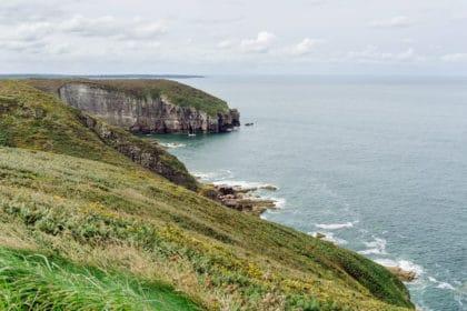 Bretagne, vue sur la côte et la Manche depuis le phare de Cap Fréhel