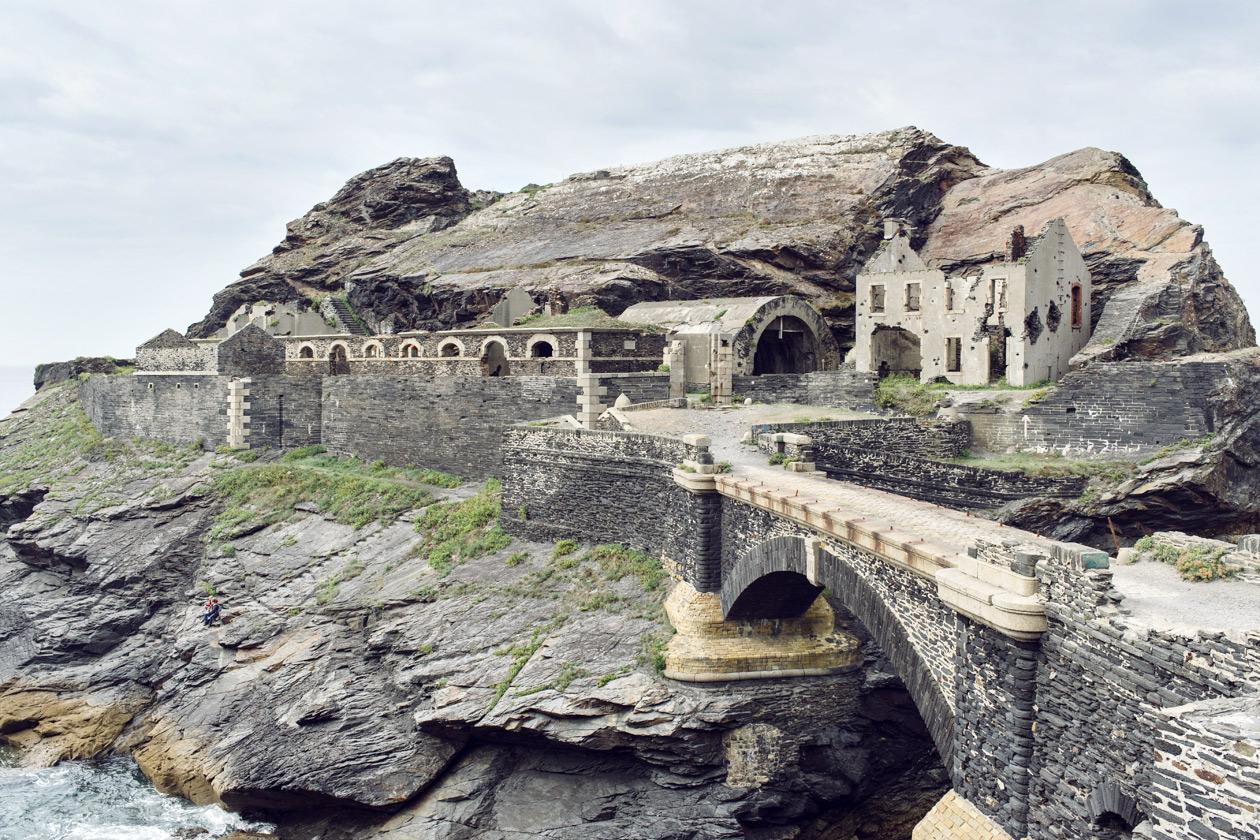 Bretagne: ruines du fort militaire de l'Îlot des Capucins, sur la presqu'île de Crozon