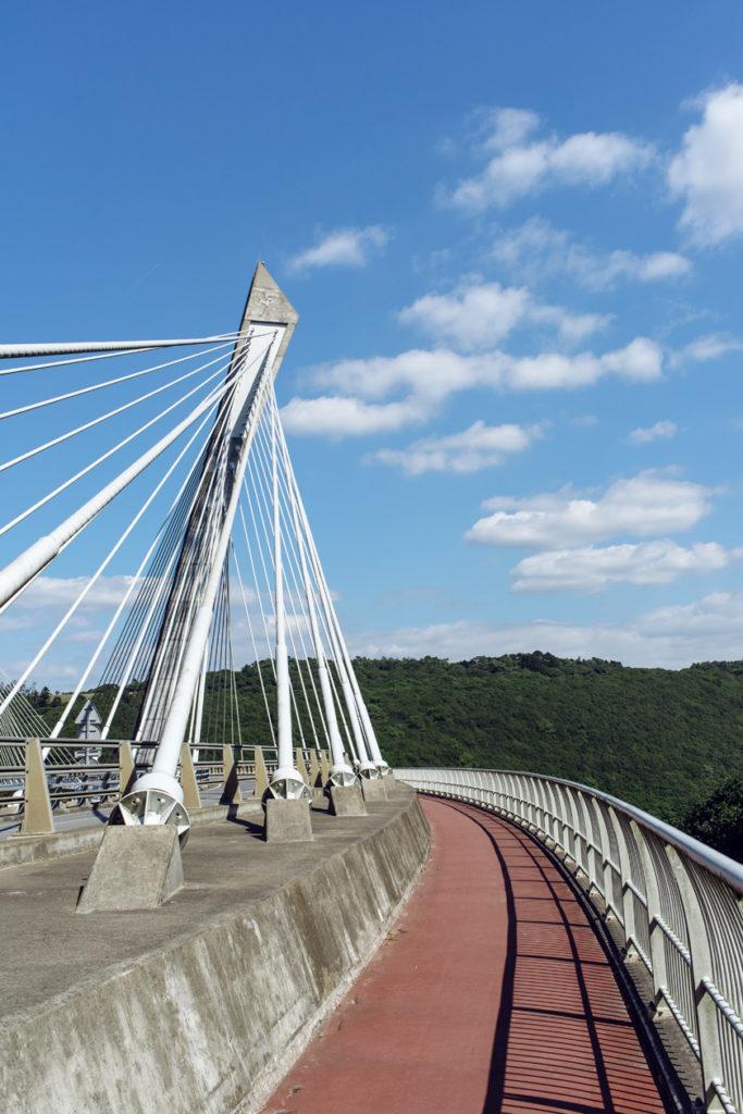 Bretagne: le pont de Térénez, sur la presqu'île de Crozon