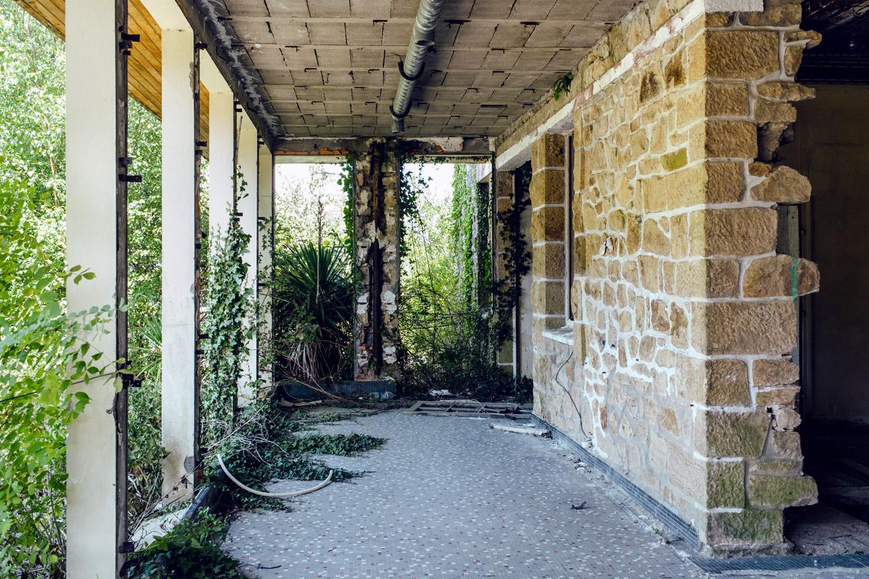 Bretagne: hôtel abandonné à Landévennec, sur la presqu'île de Crozon