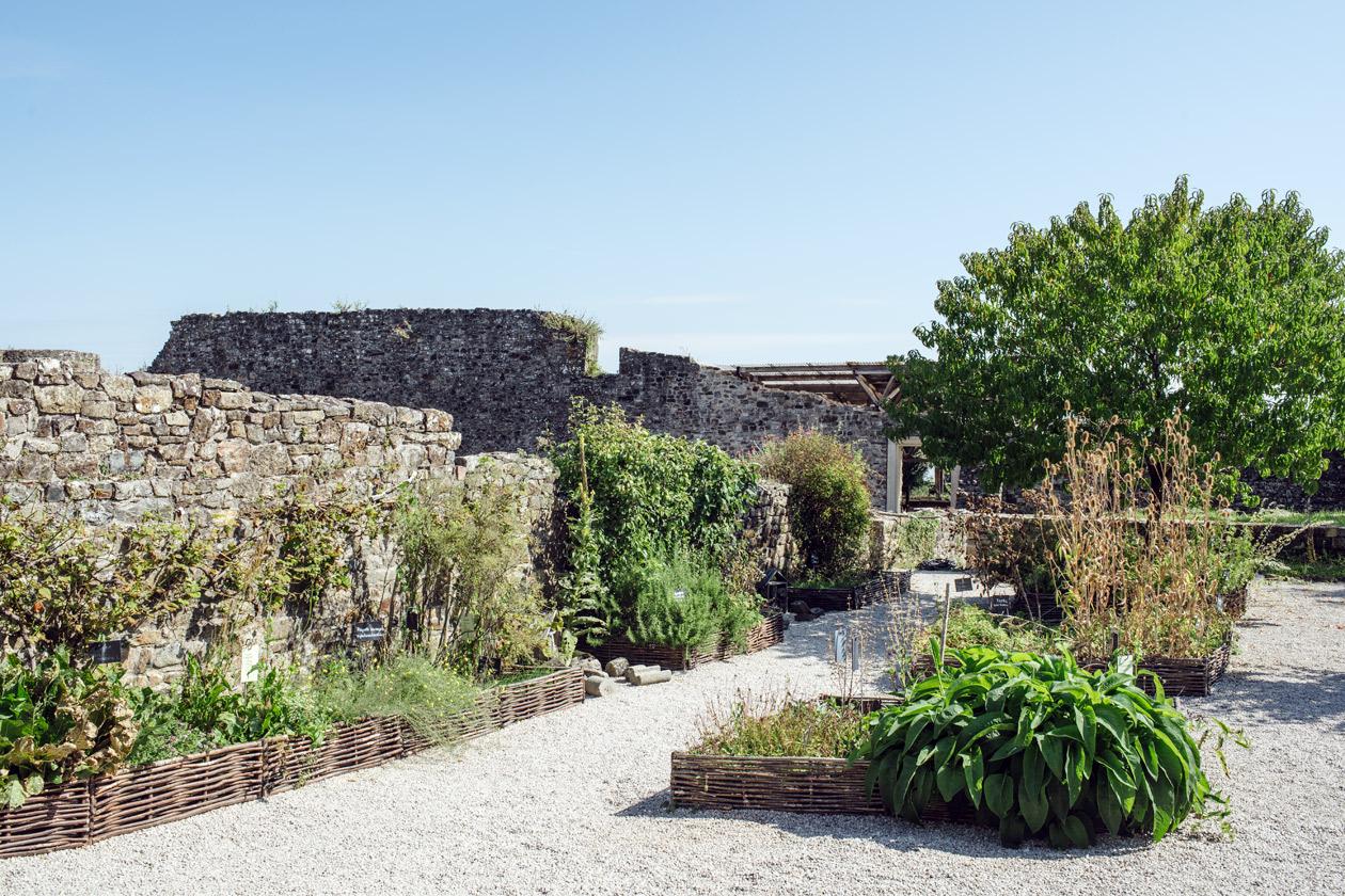 Bretagne: ancienne abbaye de Landévennec