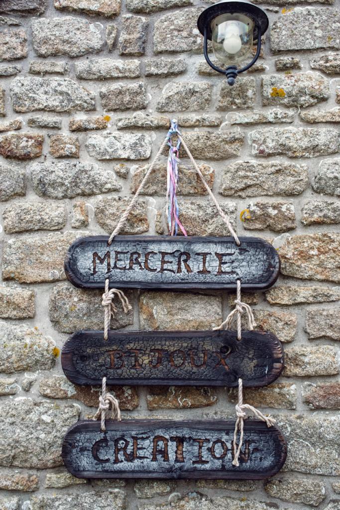 Bretagne: balade dans le village de Locronan
