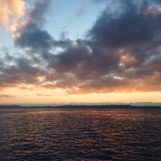Lever de soleil sur le lac de Neuchâtel