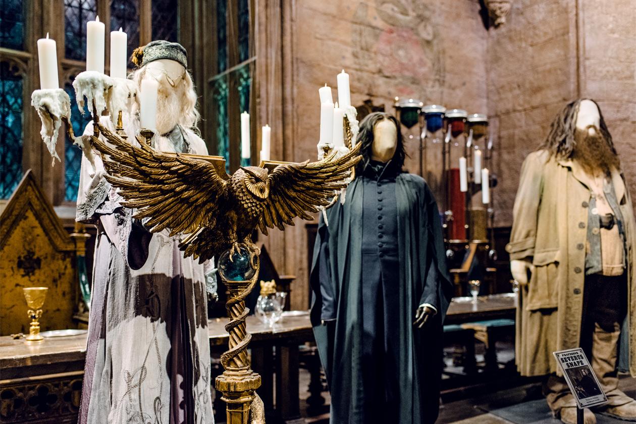 Visite des Studios Harry Potter à Londres – Le grand hall de Poudlard, avec les mannequins de Dumbledore, Snape et Hagrid