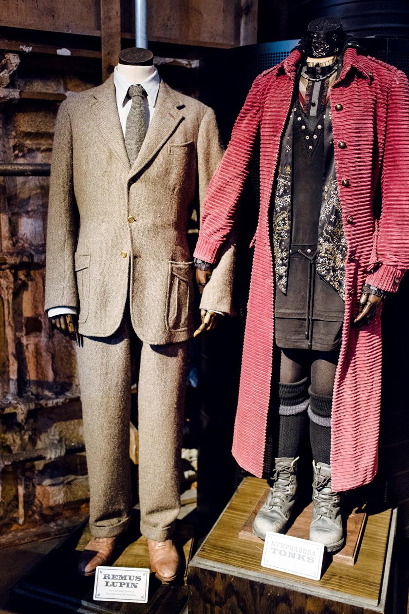 Visite des Studios Harry Potter à Londres – Mannequins vêtus avec les costumes de Remus Lupin et Nymphadora Tonks