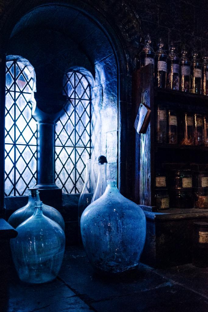 Visite des Studios Harry Potter à Londres – Détails du décor de la salle de cours de potions