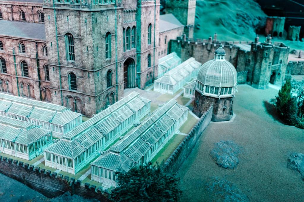 Visite des Studios Harry Potter à Londres – Maquette du château de Poudlard à l'échelle 1:24 –Détails des serres botaniques