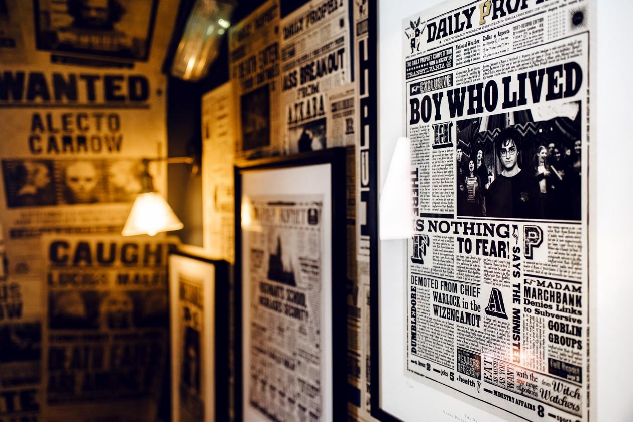 "Visite de House of MinaLima à Londres – Affiche ""The Boy Who Lived"""