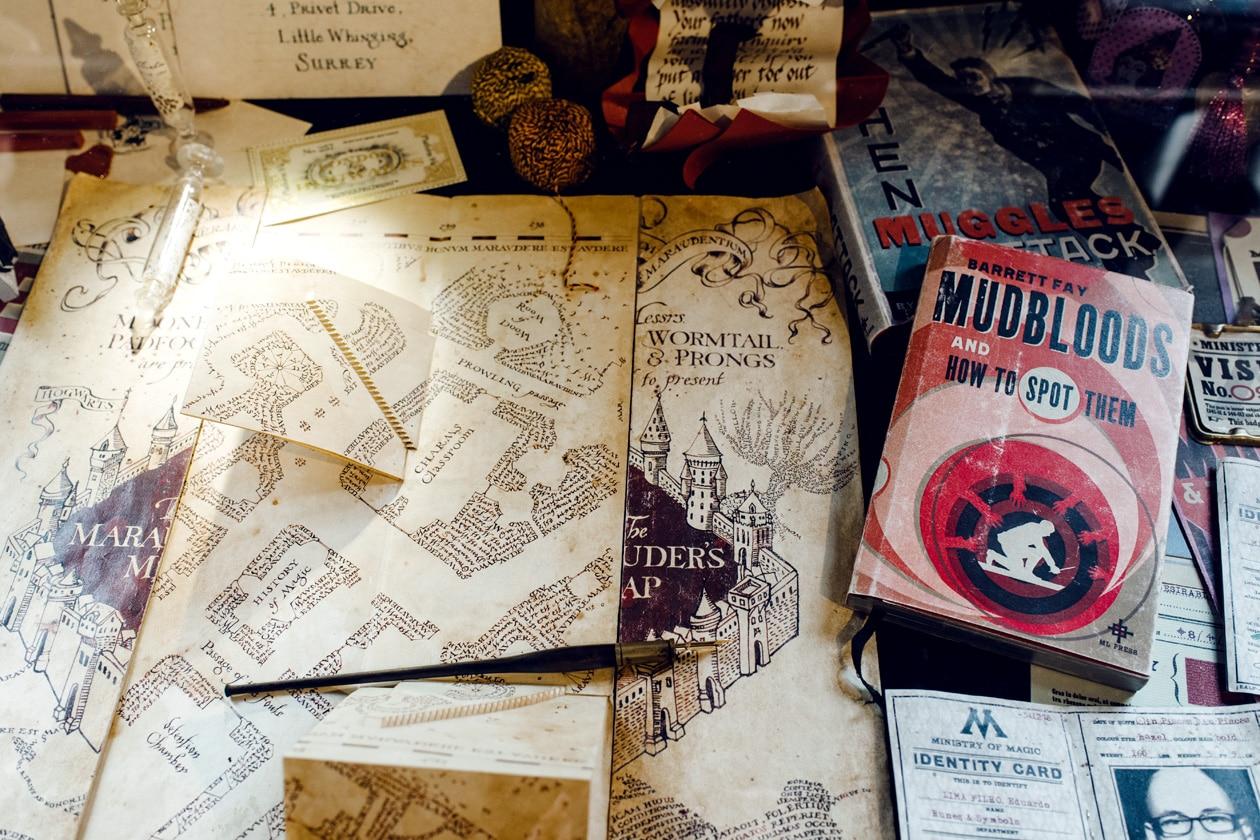 Visite de House of MinaLima à Londres – Carte du Maraudeur, carte d'identité de sorcier, livres de magie