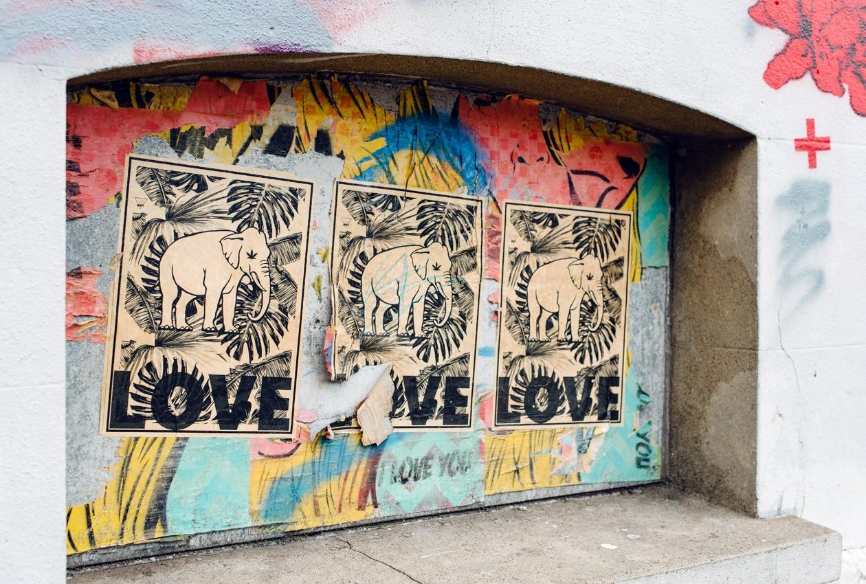 Brighton, affiches et graffiti à The North Laine