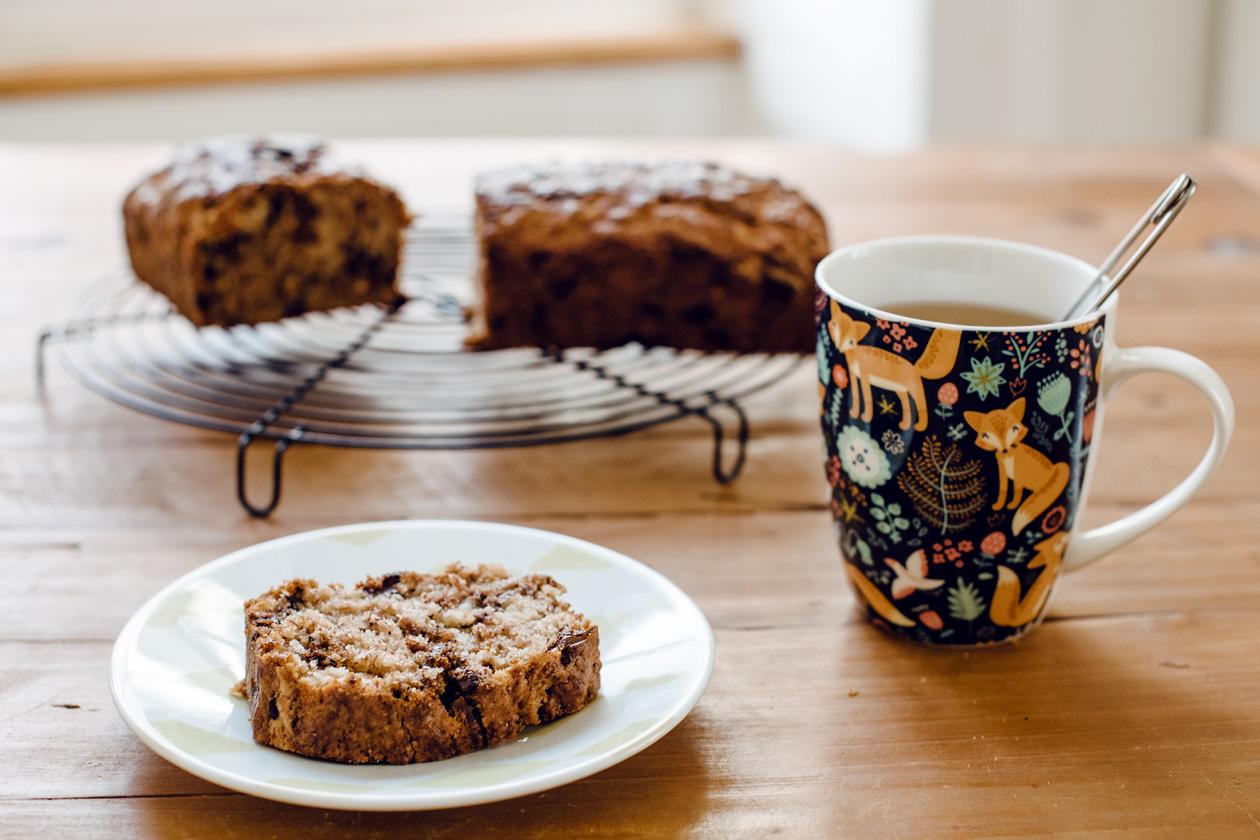 Petit déjeuner ou goûter végétalien: banana bread aux pépites de chocolat