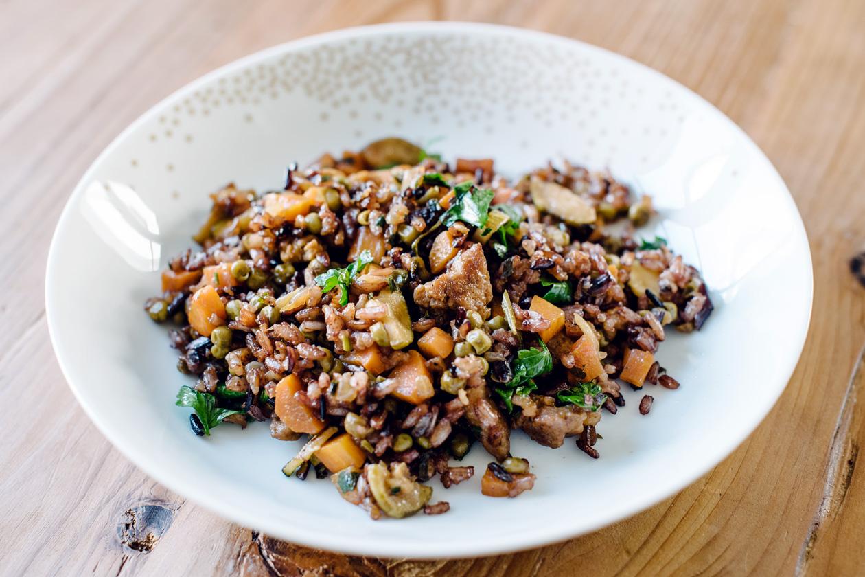 Riz sauté aux légumes et proteines de soja texturées