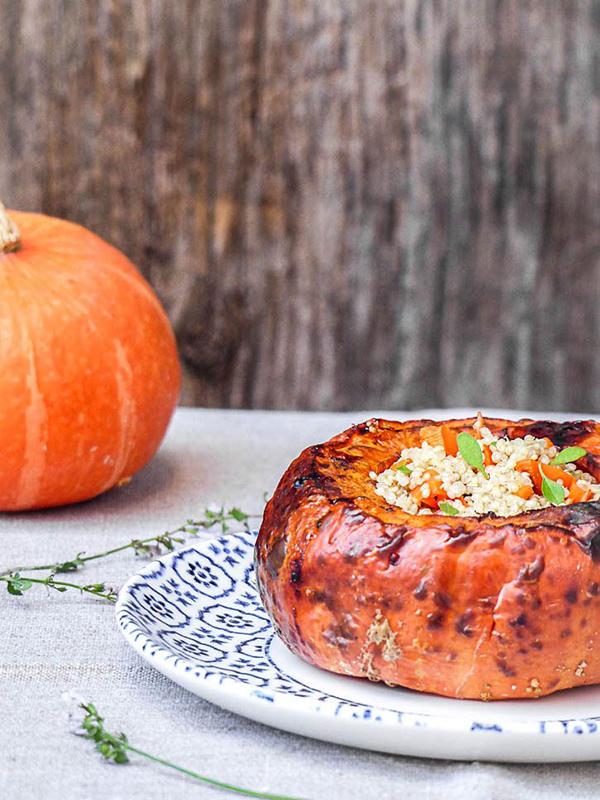 Potimarron farci au quinoa comme un pain d'épices – Amande et basilic