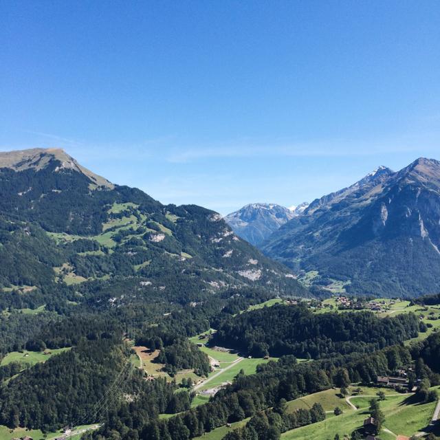 Carte postale helvétique dans l'Oberland bernois