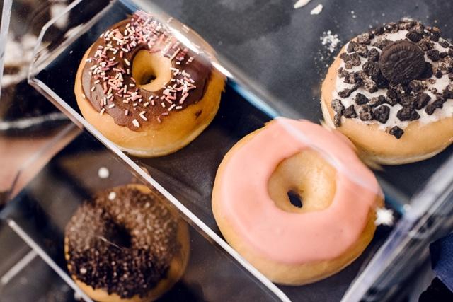 Goûter végétalien à Genève: donuts chez EnVie