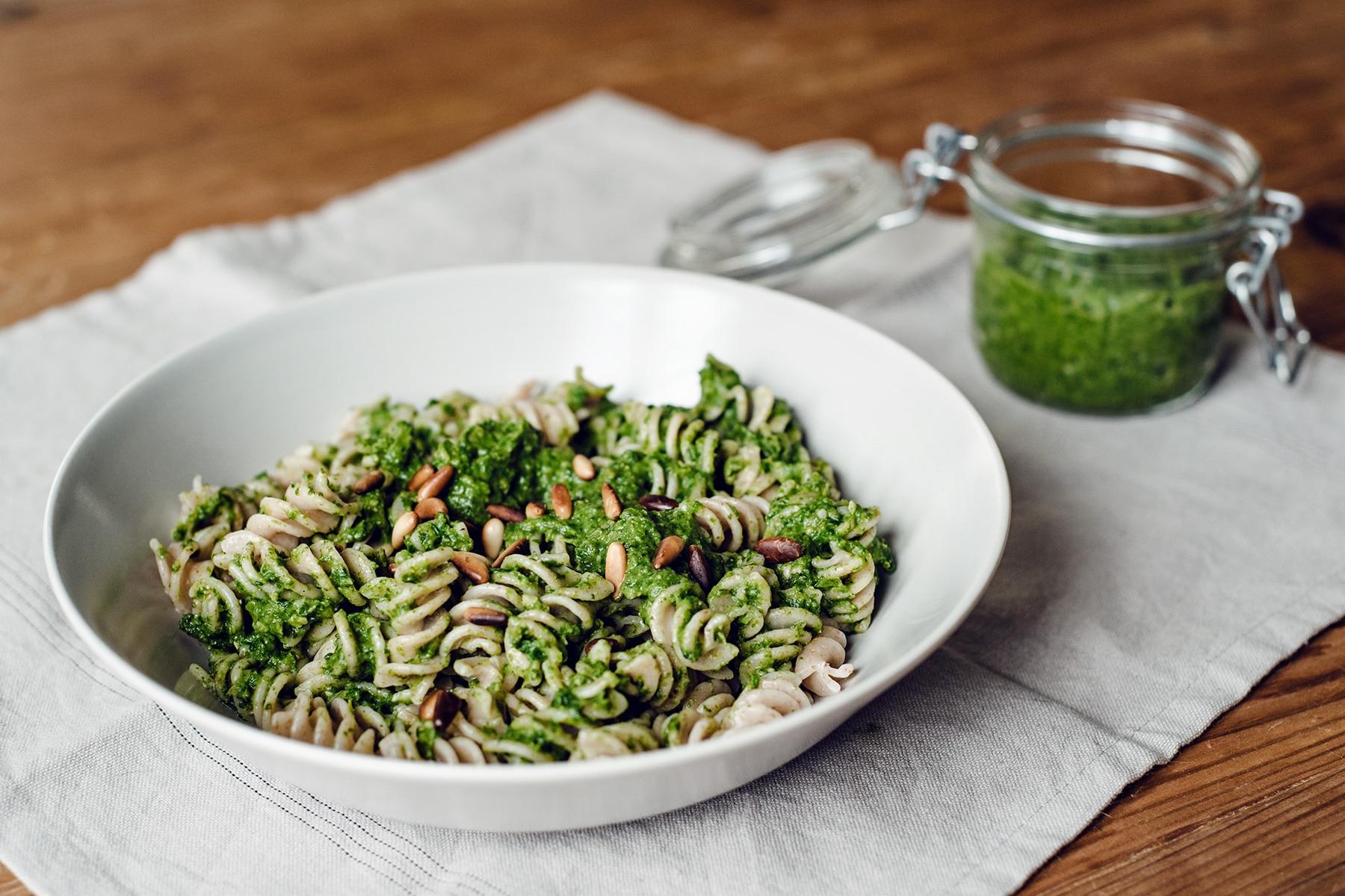 Pesto végétalien aux épinards et petits pois