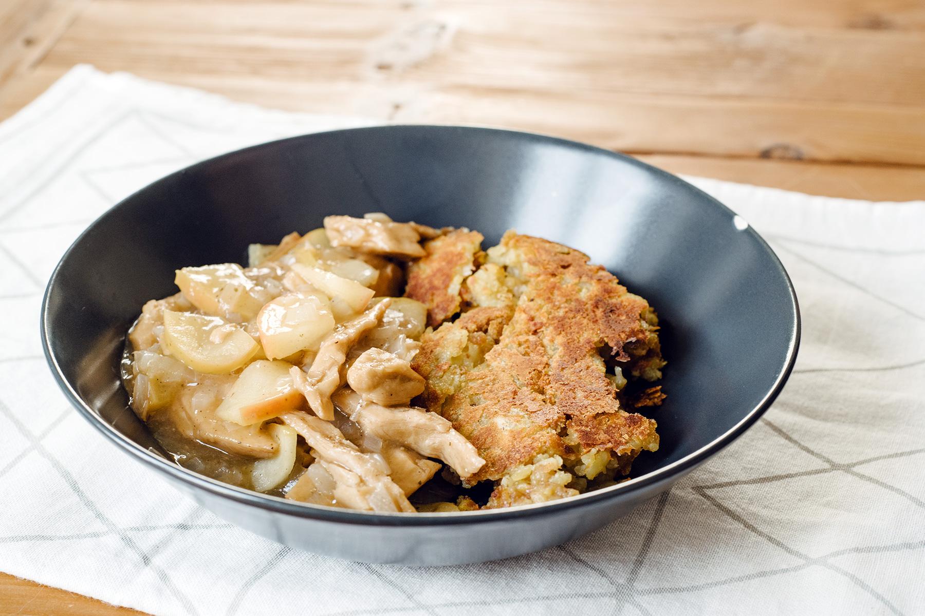 """Émincé de """"poulet"""" végétal à la thurgovienne (sauce au jus de pomme) et rösti"""
