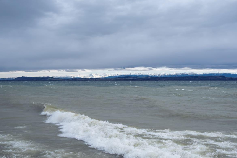 Journée venteuse au bord du lac de Neuchâtel